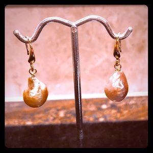 Jewelry - ⭐️ EARRING SALE Baroque Pink Pearl Earrings